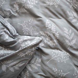 Bómullarrúmföt með blómamynstri í ljósgráum tónum